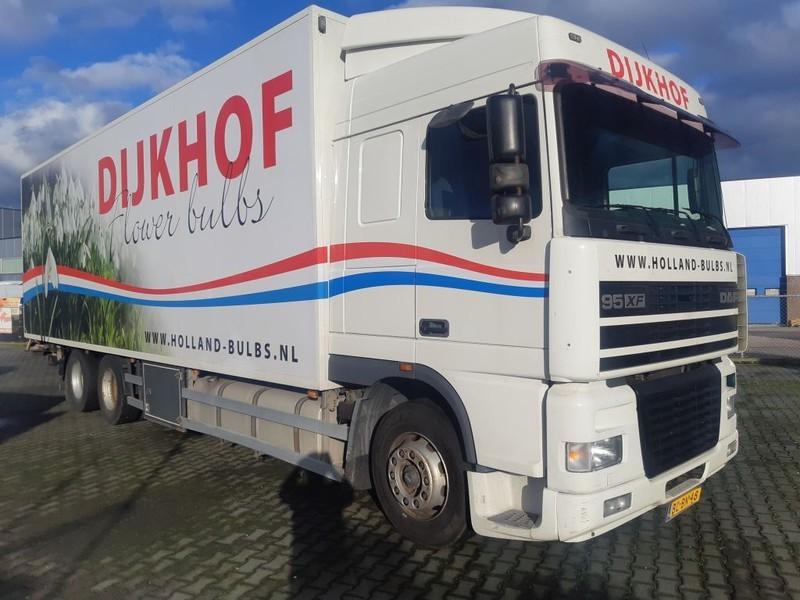 camion furgon DAF 95 XF 430 SC 6X2 Euro 2