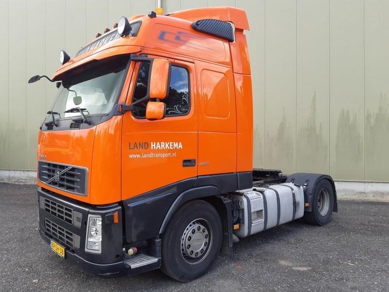cap tractor Volvo FH 440